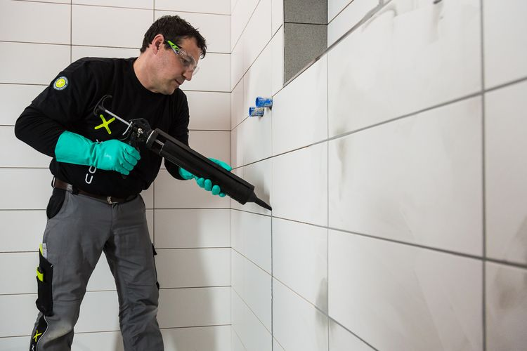 Alternatively, the codex professional spray gun can be used.